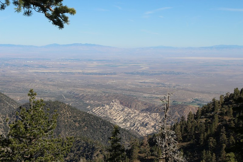 Looking northwest over the Mojave Desert, with Sandrocks below us.