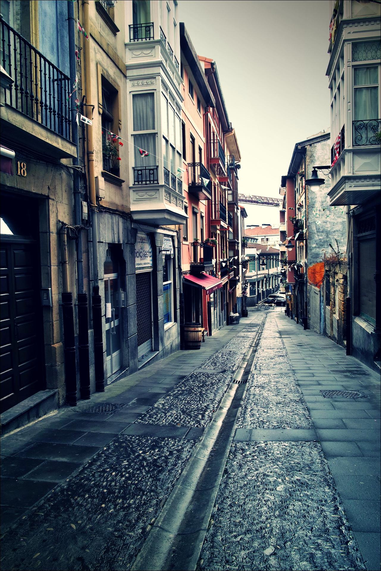 포르투갈레테 길거리-'카미노 데 산티아고 북쪽길. 빌바오에서 포르투갈레테. (Camino del Norte - Bilbao to Portugalete)'