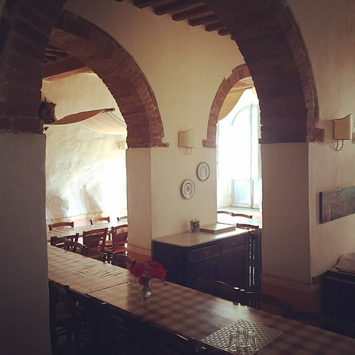 Quiet dining room. Spannocchia.