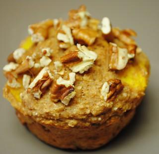 spiced peach pecan muffins (10)