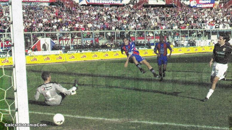 4 marzo 2001: il gol di Pasquale Apa al Palermo di Cappioli
