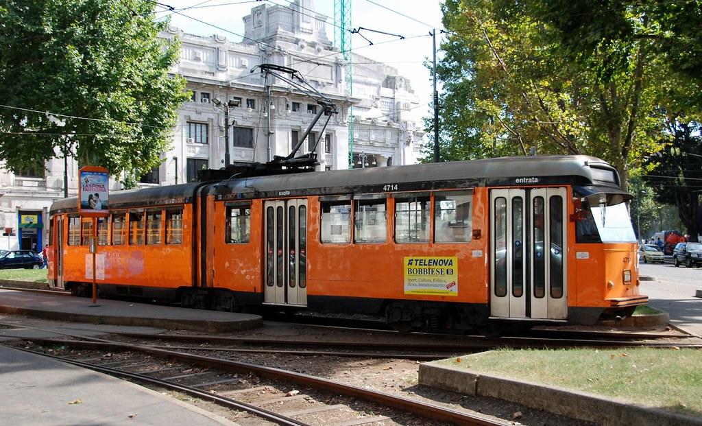 Milano piazza iv novembre azienda trasporti for Arredare milano piazza iv novembre