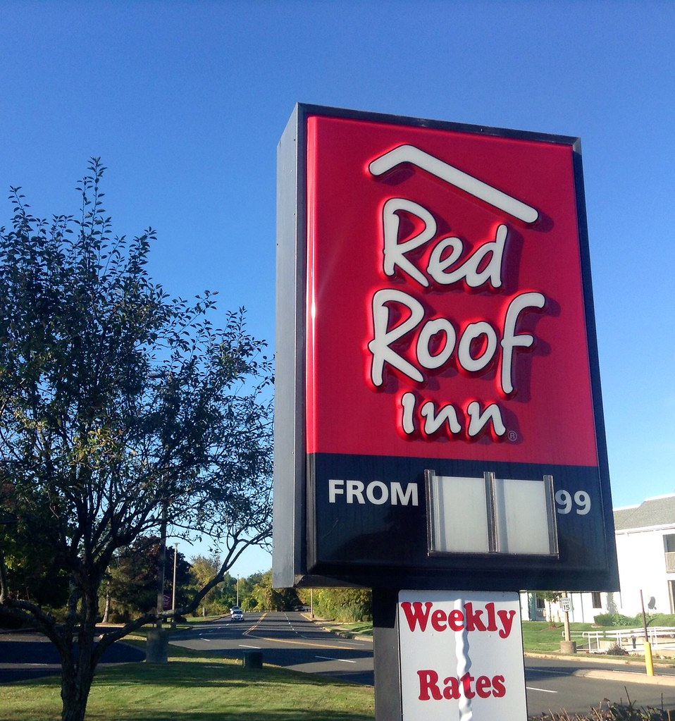 Red Roof Inns Hotels in Hartford CT. Red Roof Inns Hartford properties are provided below. Search for cheap and discount Red Roof Inns hotel prices in Hartford, CT for your personal or business trip.