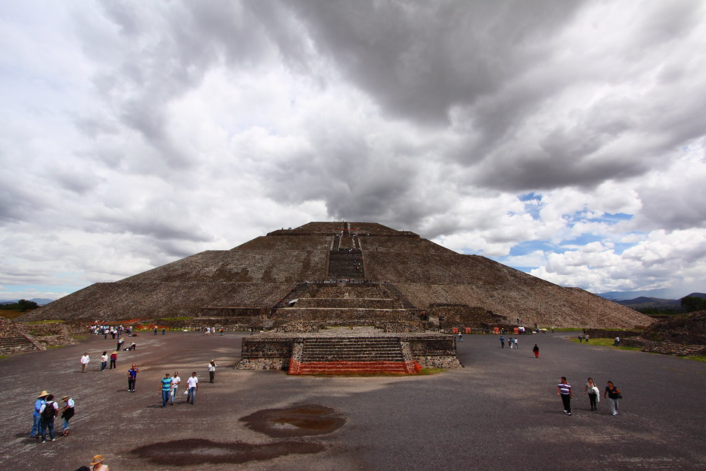 an overview of the pyramid of the sun in mexico An overview of all the egyptian most of the pyramids in mexico but also built sun temples while the pyramid's built in egypt seem to be all funerary.
