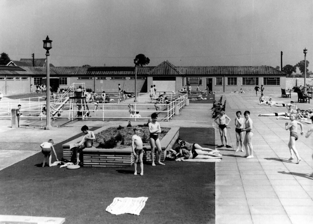 leys swimming pool 1961 sb1567 historic barking and dagenham flickr