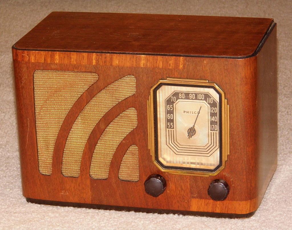Vintage Philco Table Radio Model 38 12c Broadcast Band O