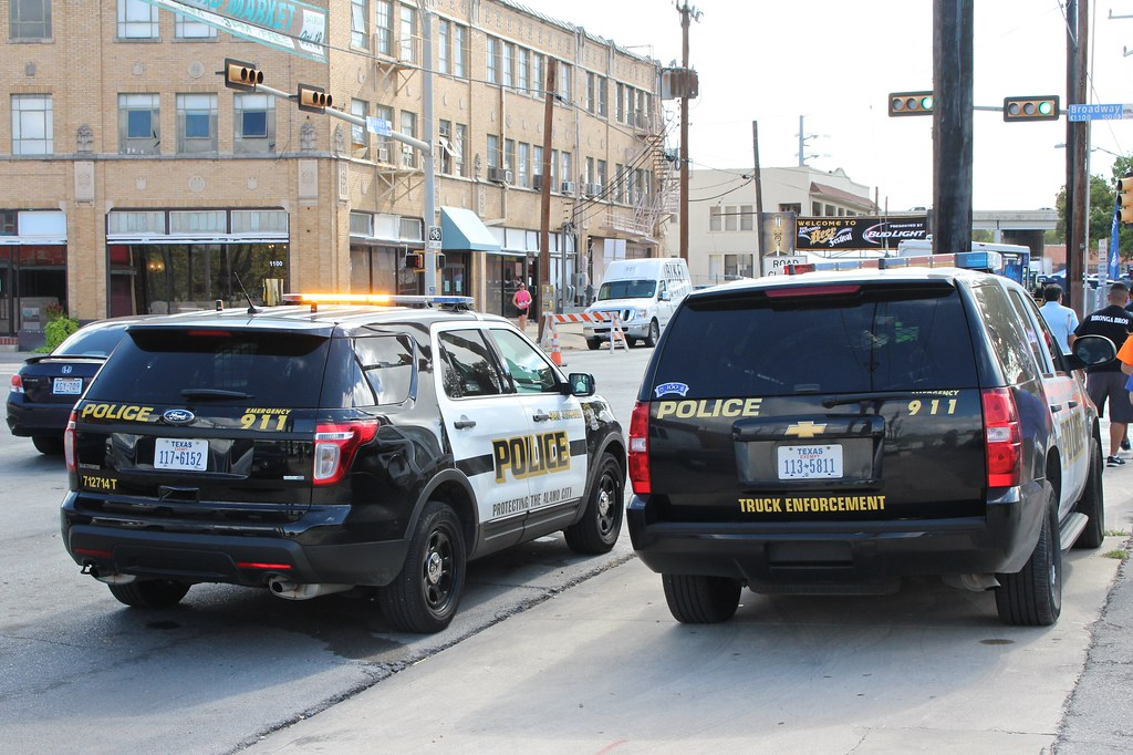 San Antonio Police Ford Explorer And Chevrolet Tahoe In