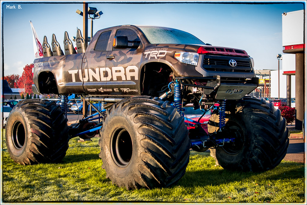 Toyota Tundra Monster Truck | Monster Toyota Tundra Truck ...