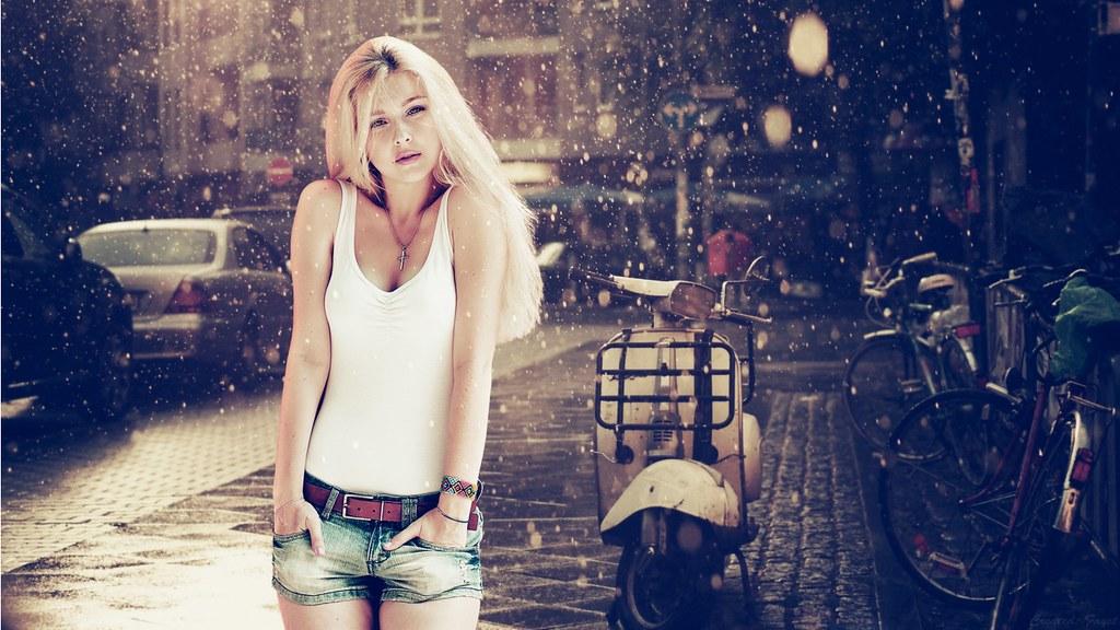 Beautiful Blonde Girl In Snow HD Wallpaper