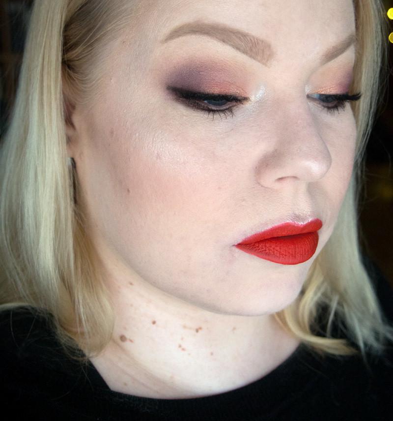 smashbox_golden_hour_thrill_seeker_makeup