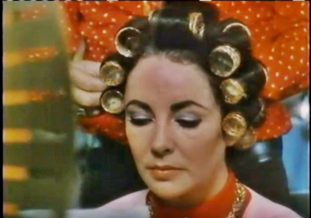 Elizabeth Taylor Wearing Hair Rollers Curlers Elizabeth
