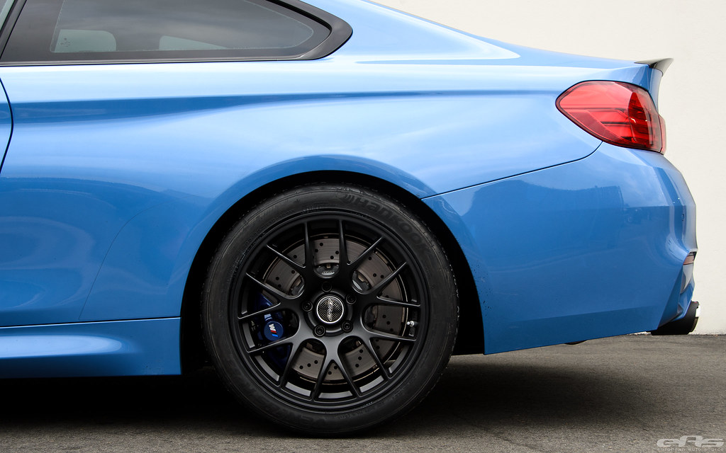 Yas Marina Blue Bmw F82 M4 Matte Black Apex Ec 7 Wheels