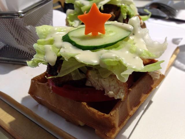 辣味炸雞鬆餅@Mr. TKK 頂呱呱新型態概念店