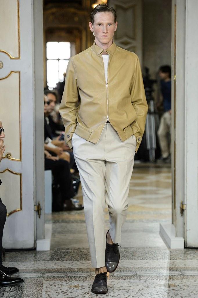 SS16 Milan Corneliani030(fashionising.com)