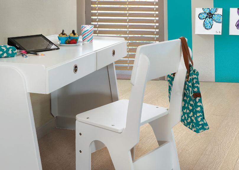 Muebles placencia escritorio y silla recamara stock flickr for Muebles placencia