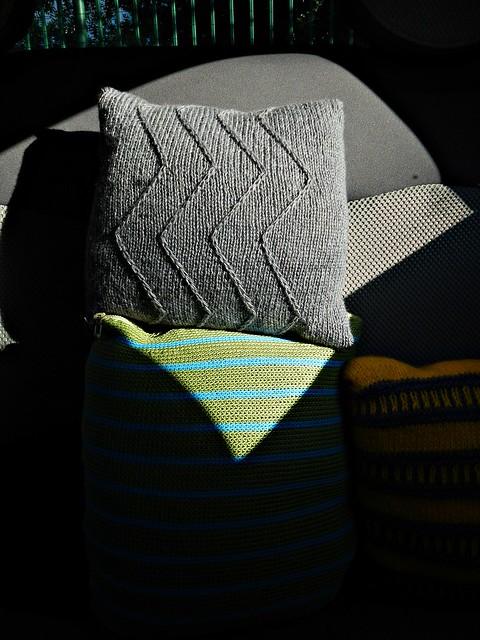 вязаные подушки в машину | horoshogromko.ru