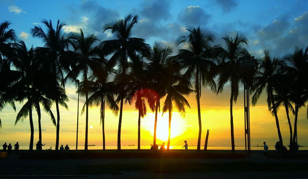 """Sunset Boulevard"" Roxas Blvd., Manila Philippines 10/23/1 ..."