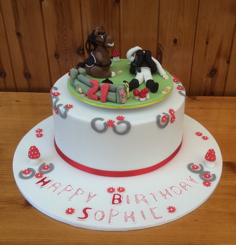 Sophie's 21st Birthday Cake With Sydney The Horse..!