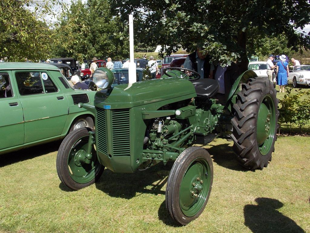 1946-56 Ferguson TE20 tractor | Coolings Garden Centre Class ... Fergie