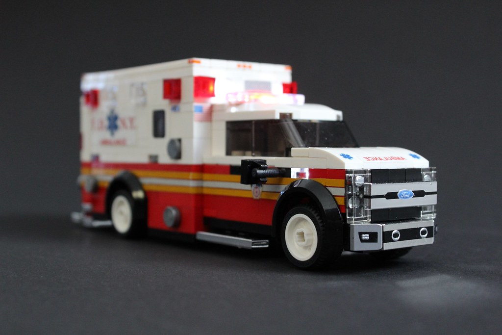 White Ford Explorer >> FDNY Ambulance | Partially rebuilt my FDNY Ambulance. The ...