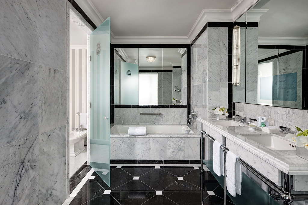 The st regis new york grand suite bathroom grand suite for Bathrooms in nyc
