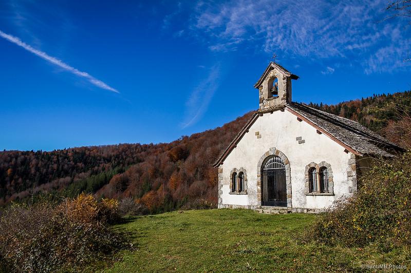 La ermita desde el sendero de Los Sentidos