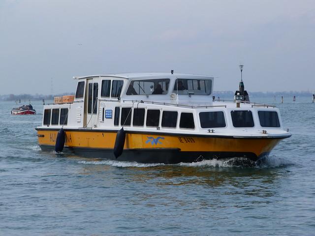 Barco Alilaguna del aeropuerto de Venecia