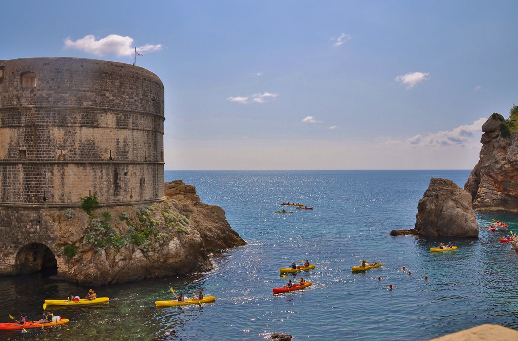 Dubrovnik - kayaking by the fort