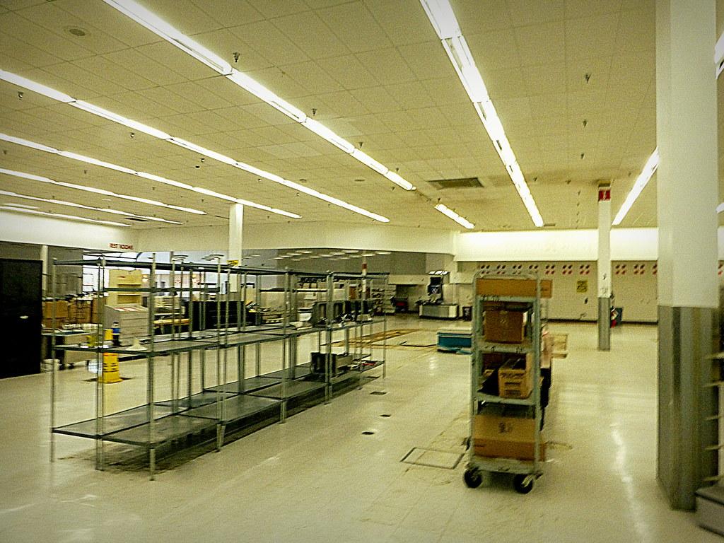 Ohio >> Super Kmart Closing Brooklyn | This Super Kmart store operat… | Flickr