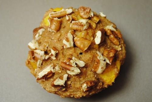 spiced peach pecan muffins (8)