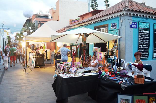 Artesan stalls, Calle Mequinez, Puerto de la Cruz, Tenerife