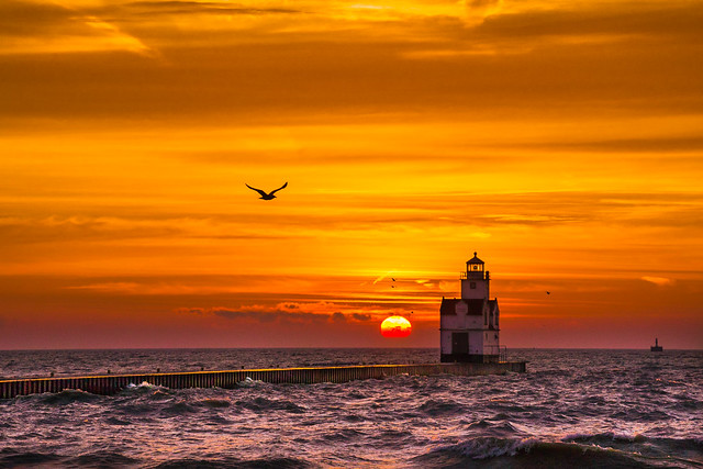 Lighthouse, Kewaunee, WI, Lake Michigan, Sunrise