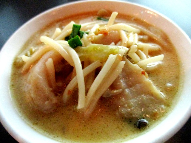 Cafe Cafe creamiy fish bihun 3