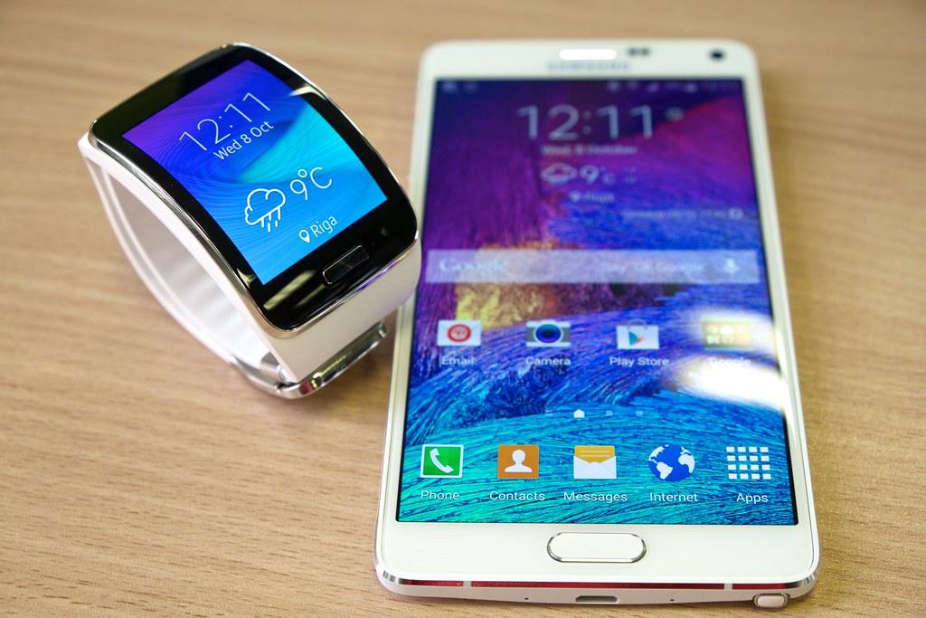 Samsung Gear S with Galaxy Note 4 | Kārlis Dambrāns