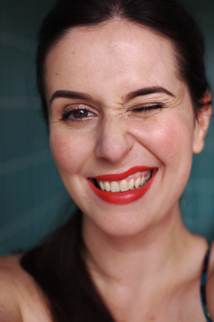 bright matte lipstick: & other stories Adhesion Red review