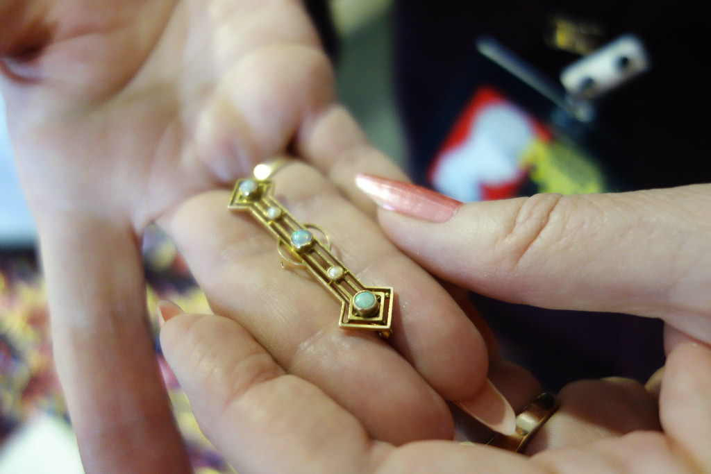 Is this cursed jewellery? or a blessed broach? How to know?