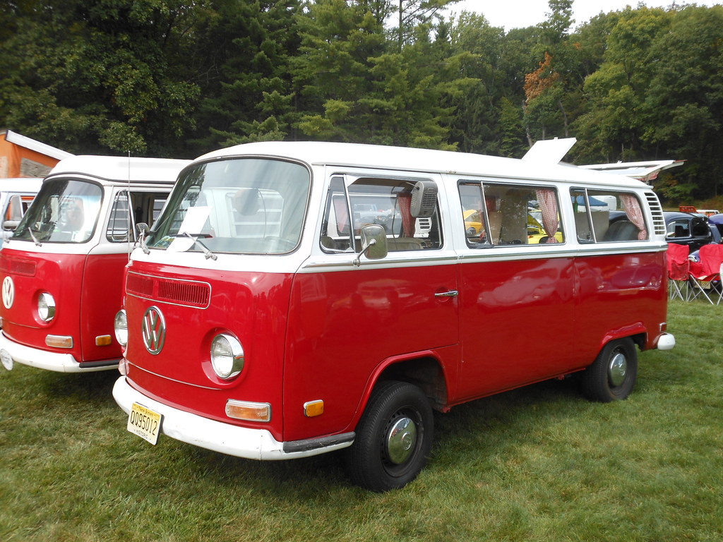 Red And White 1972 Volkswagen Bus Two Tone Color Schemes