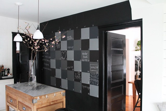 DIY Checkerboard Chalkboard Wall