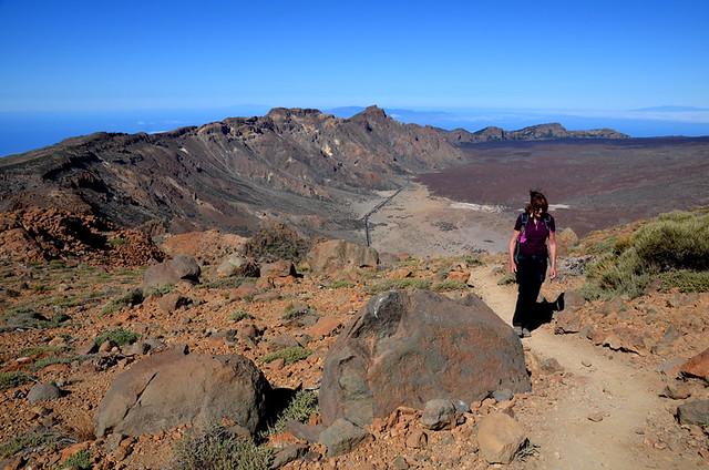 Climbing to Alto de Guajara, Teide National Park