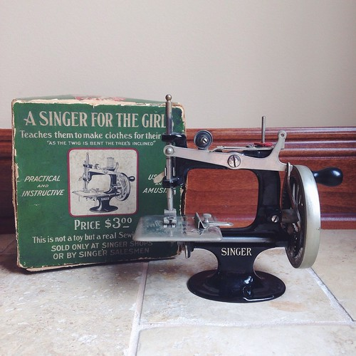 Singer Sewing Machine Model 20