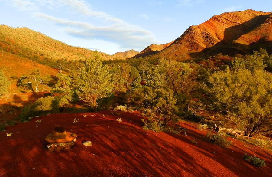 Late Afternoon on the Heysen Trail, via Angorichina, Northern Flinders Ranges