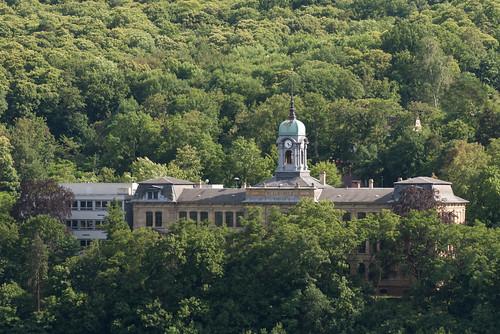 Die Schule am Berg (nachbearbeitet)