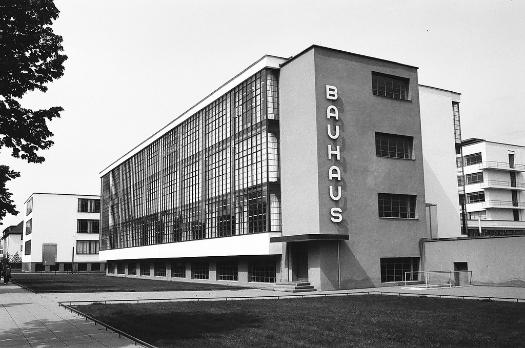 Batiment du Bauhaus à Dessau - Photo de Nate Robert.