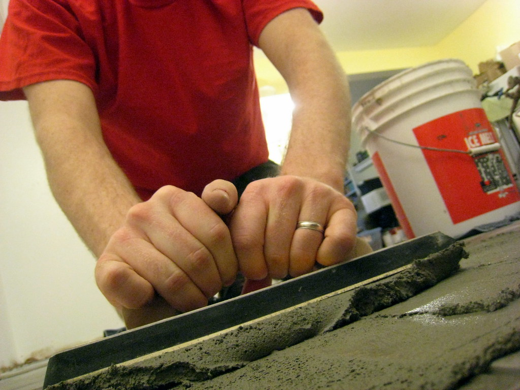 Easy Tips for DIY Grouters