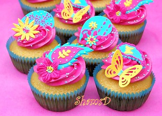 Funky Paisley Cupcakes | by ~Très Chic Cupcakes by ShamsD~