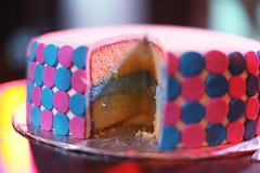 gender reveal cake | by cAkE jUnkIE