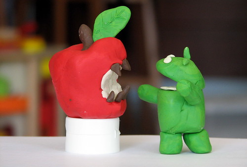 The raging battle between Apple's iPhone and Google's Android | by Tsahi Levent-Levi