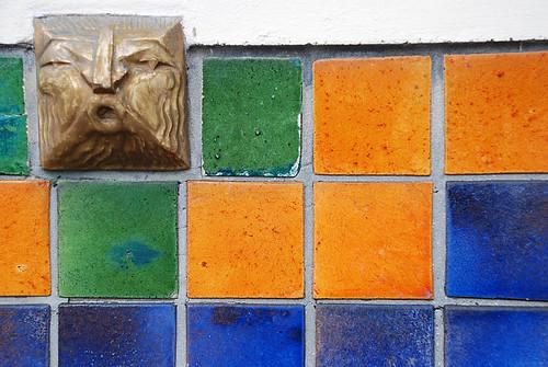 C ramique murale sur une fa ade lambersartoise bruno - Ceramique murale autocollante ...