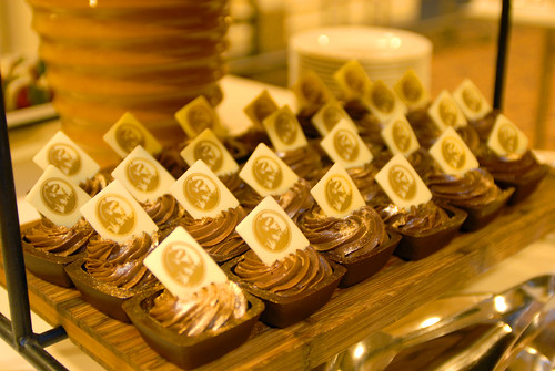 2010 MAC Award Dessert Sponsor American Express Chocolate Mousse | by AzNow.Biz