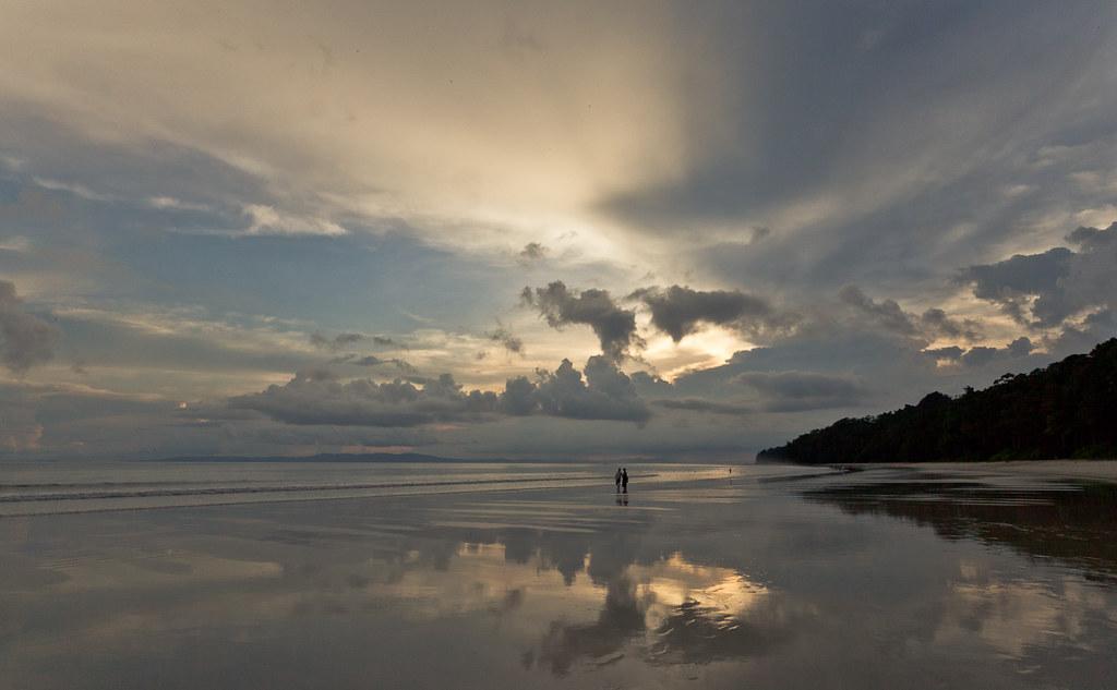A Sunset @ Radhanagarbeach, Havelock island